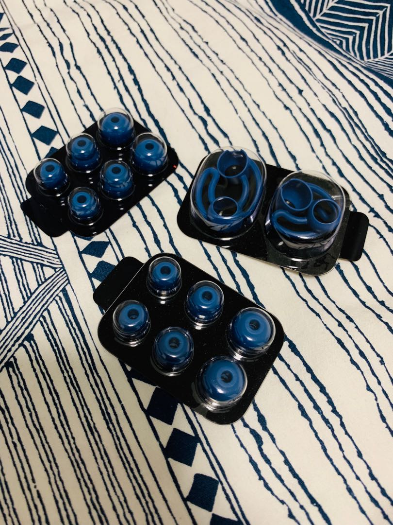 f683226e426 Beats X Spare Ear Buds and Wingtips, Electronics, Audio on Carousell