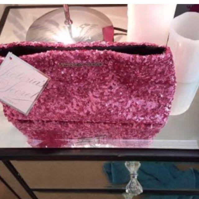 😆FREE SHIPPING* under 500g😆Brand New Victoria's Secret Sparkle Makeup Bag