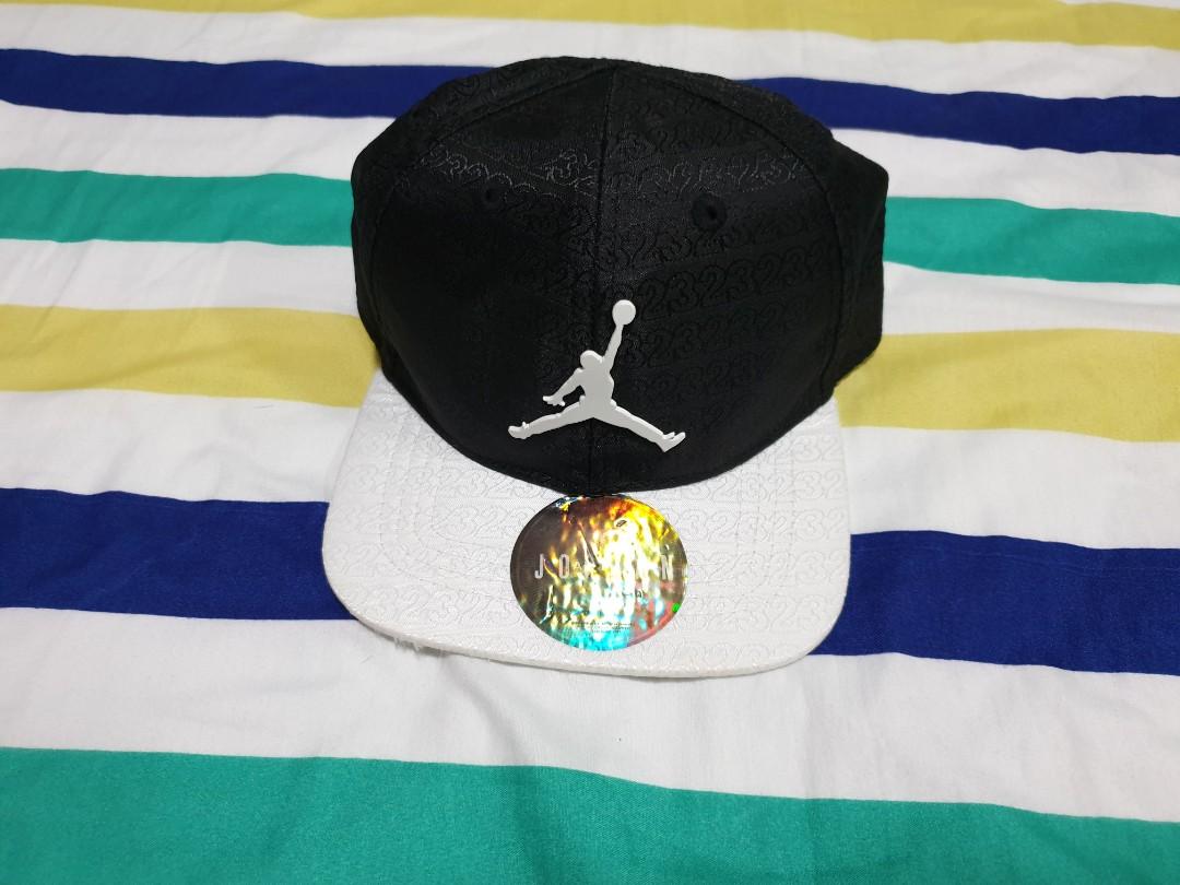 Jordan Cap Black and White a33cd729262