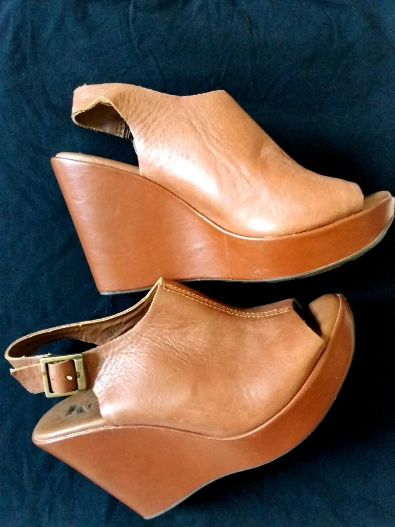 Korks Sandals Sandals Korks On Carousell Leather Leather Carousell On pMSUqVGz