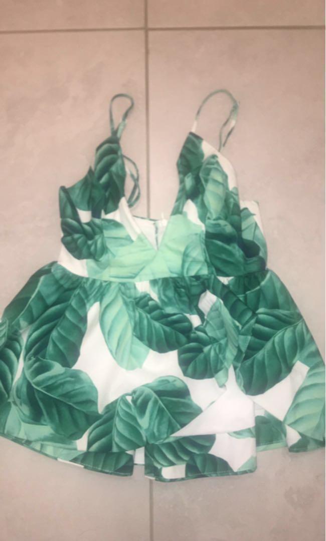 Low cut floral top
