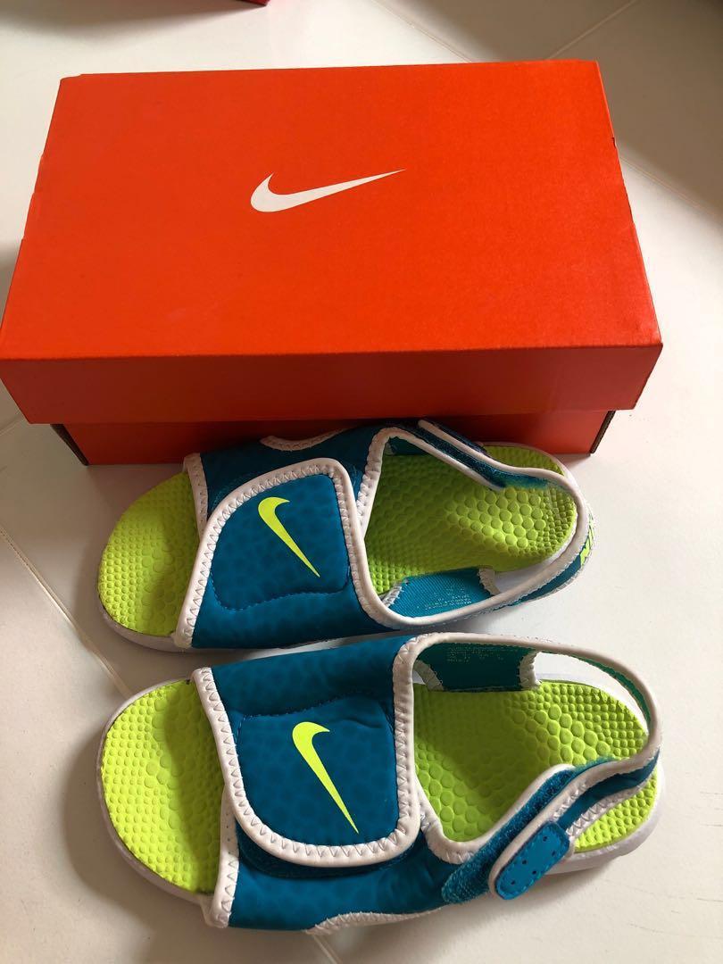 the latest 156c1 32c21 Nike Slippers Kid size 10C, Babies & Kids, Boys' Apparel, 4 ...
