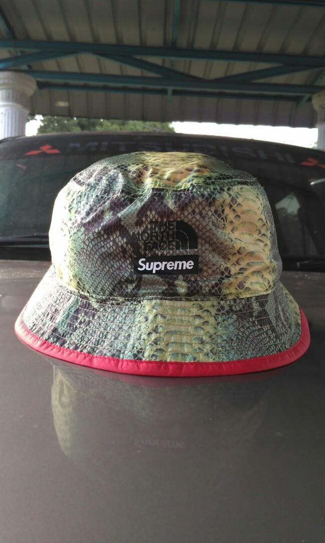 3432206691e supreme x the north face bucket hat
