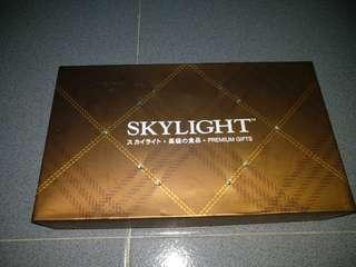 Skylight abalone new year box