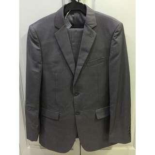 Onesimus grey suit jacket and pants set