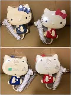 Sanrio Hello Kitty 1976 年 (SANYO 三洋) 人形風筒 紅色及藍色一對 (Made in Japan) ** 43 年曆史 ~ 非常罕有 (** 只限北角地鐵站交收 **)