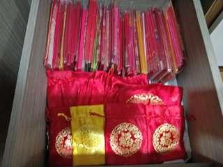 Red packets each pack
