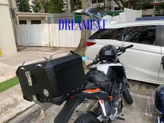 COOCASE X5 BLACK 50L ALUMINIUM TOP CASE(FREE BASEPLATE/INSTALLATION/MOBILE PHONE BLUETOOTH EARPHONES)(RACK & BACKREST IS NOT INCLUDED)