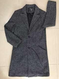 灰色長外套