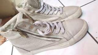 Guess high sneakers