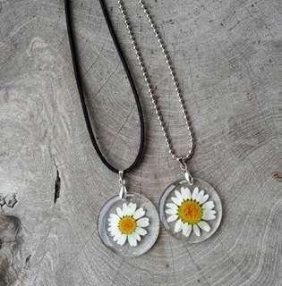 Kalung Bunga Daisy Putih