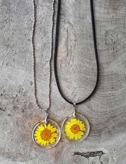 Kalung Bunga Daisy Kuning