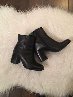 Steve Madden Karera Ankle Booties | Black, 7