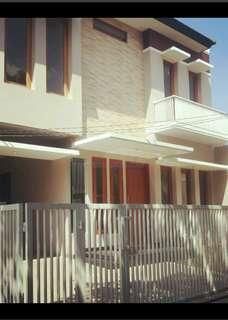 Rumah Cantik 2 lt Jalan Akses 2 mobil di Jagakarsa, Jaksel (Lely 082112866595)