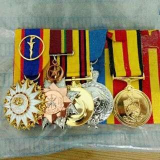 5 Medals Set