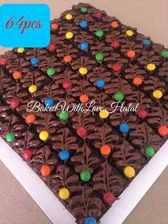 64Pcs Brownies