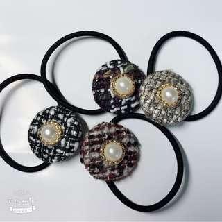 🚚 毛尼格紋珍珠水鑽髮飾 顏色任選