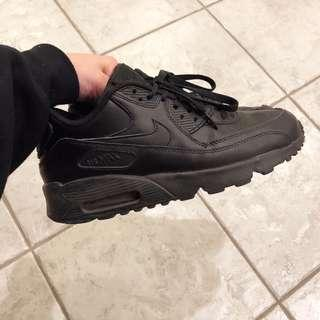 Black Nike Air Max 90