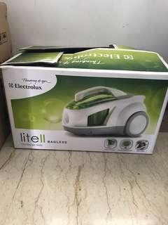 Electrolux Lite II Bagless vacuum cleaner