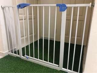 FREE* Delivery to door steps - Auto Swing Safety Gate - on 26 Jan 2019