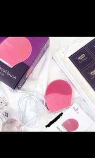 *Promotion!* Belle Facial brush