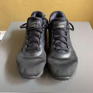 Original NIKE AIRMAX for men, US 9.5, excellent condition with reaps on sides
