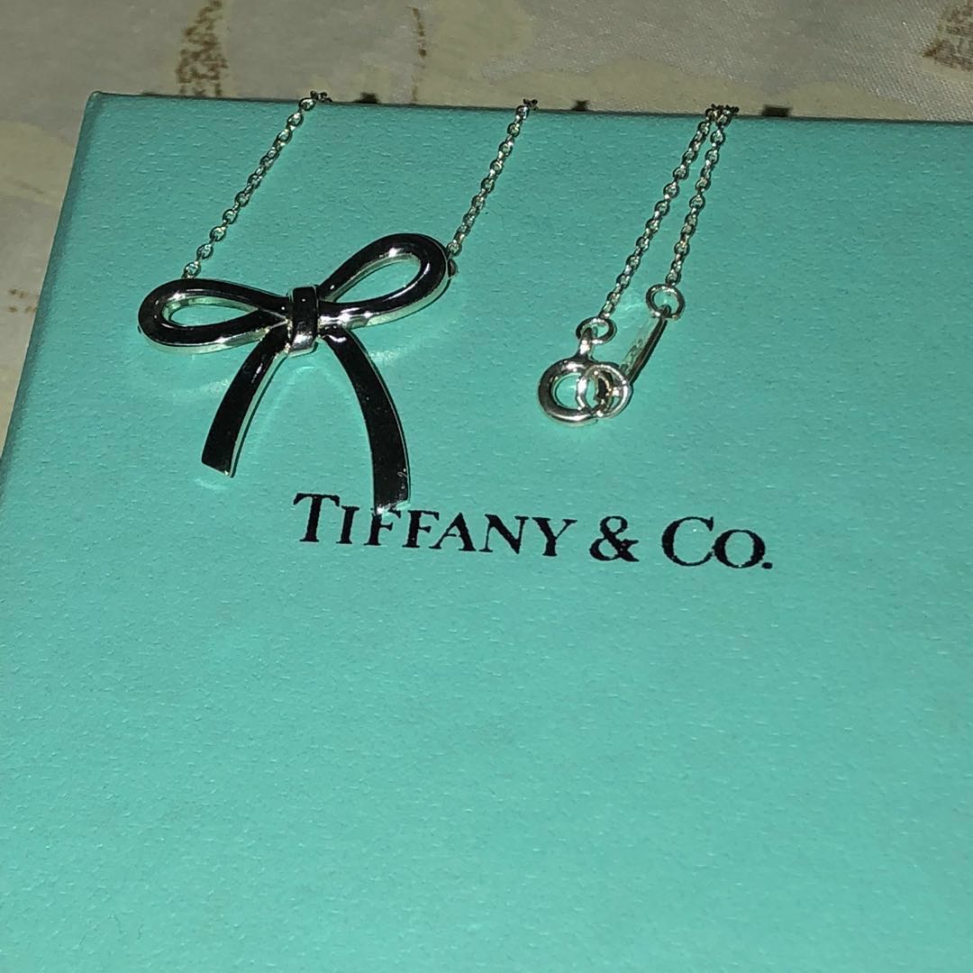 58a177ab6e1e1 100% authentic Tiffany & co bow ribbon necklace 925 silver. Tiffany and co.  Elsa peretti.