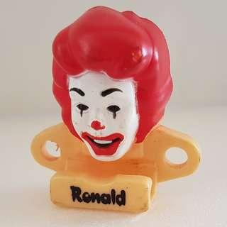 🚚 Absolutely gorgeous McDonald's Happy Meal Toy, Ronald McDonald Figure Head, Iconic, Art Décor, Collector, Retro Style, Exciting Design, Attractive, Funky, Groovy, Avant-grade, Old School, Cartoon Characters