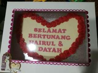 Engagement pull apart cupcakes