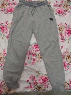 New Balance 灰色棉褲 size : asia S