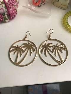 Gold Earring - Coconut 🌴