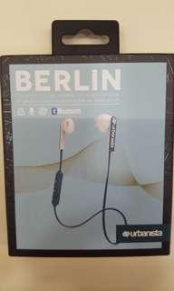 Berlin bluetooth earpiece