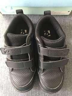 Sepatu Anak Toe Zone Black