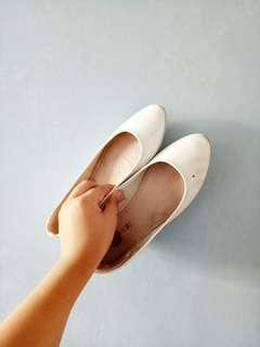 White pointed flats