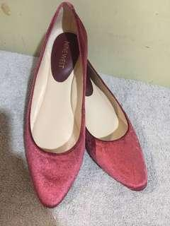 👠 ORIGINAL NINE WEST POINTED-TOE FLATS IN GAMUZA RED 👠