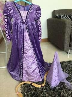 Repunzel costume 3-4 (runs big)