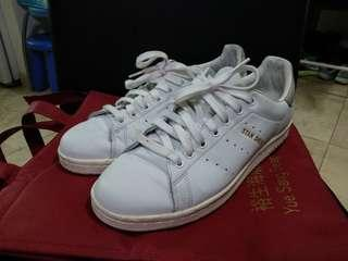 Adidas Stan Smith US 8 ( courier only )