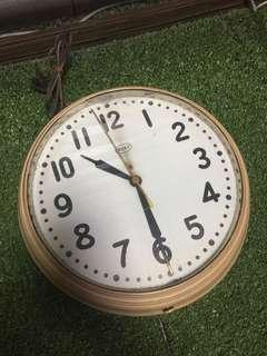[TSHSE] Vintage Roxy Wall Clock