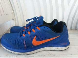Original Nike Dual Fusion