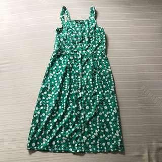GREEN FLORAL SLEEVELESS BUTTONED DOWN DRESS FITS S (waist fits till 28)