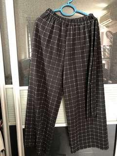 🚚 Checkered Rubber Pants