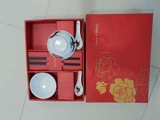 Roaster design ceramic traditional bowl set