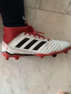 Adidas Predator Soccer boots  for kids (size 4 UK)