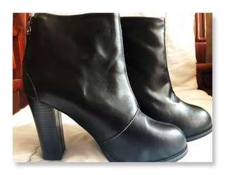 韓國 東大門 女裝鞋 黑色短Boots size 24.5