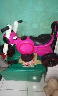 Motor Aki