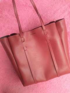 Balenciaga tote bag  New, never been used, complete with dust bag Harga Reebonz Rp 15.000.000