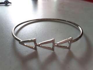 Simple stylish metal bracelet