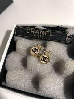 Chanel earring ribbon 蝴蝶結 95% New