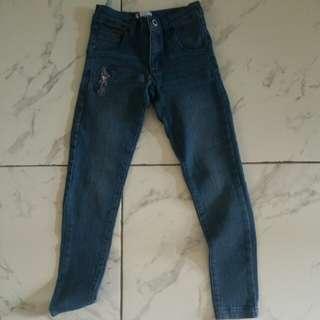 Celana jeans snoopy