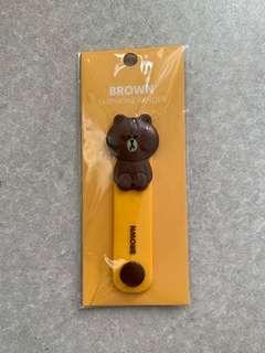 🚚 Brown earphone winder